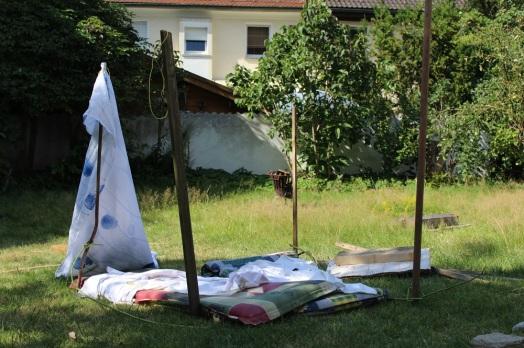 2016-08-14_Kinder_Haus mit Duschtuch(02)_klein