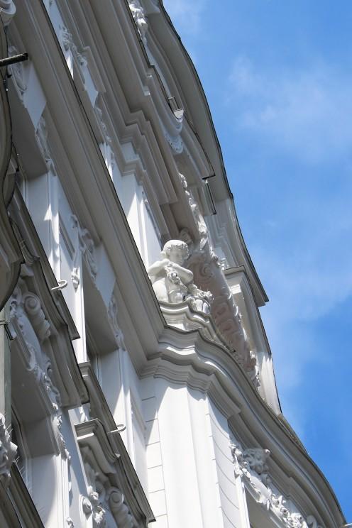 18-05_Prag_Fassade_Weiß